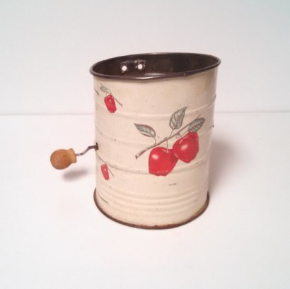 https://www.etsy.com/listing/486124381/vintage-sifter-red-apples-kitchen?