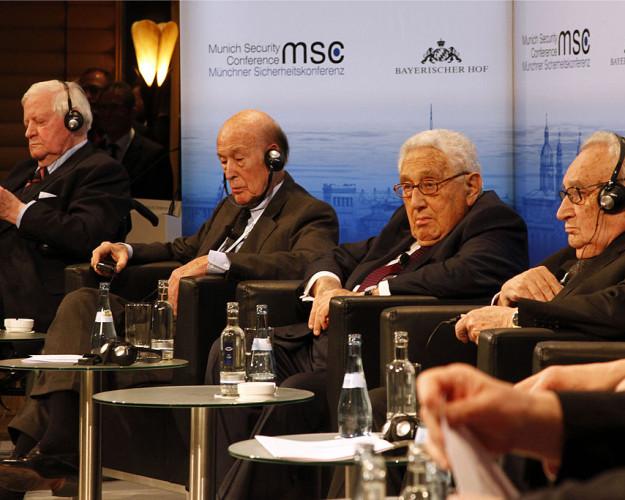 MSC_2014_Schmidt_GiscardDEstaing_Kissinger_Bahr2_Zwez_MSC20141-625×500