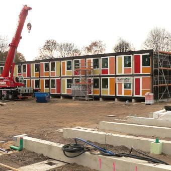 Containerbau_für_Flüchtlinge_in_Hannover_Linden-340×340