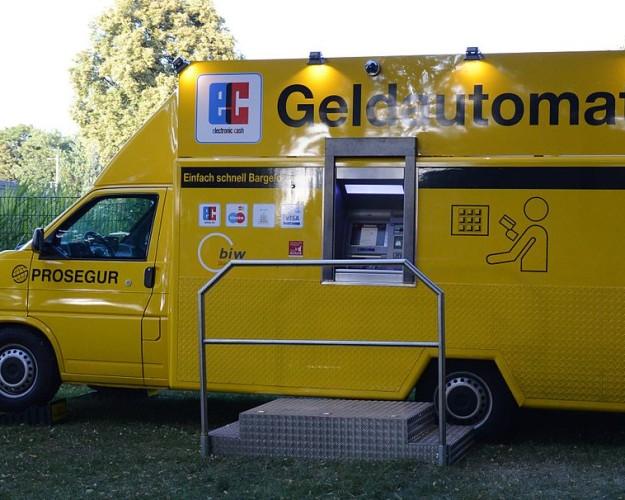 1024px-Mobiler_Geldautomat-625×500