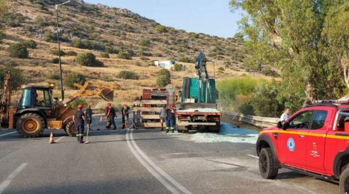 Ακόμα-ένα-ατύχημα-στην-Λ.-Αθηνών-–-Σουνίου-–-«Κόλαση»-από-εκατομμύρια-κομμάτια-σπασμένων-τζαμιών!-(φωτό)