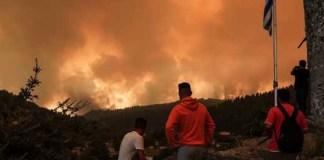 Συγκινεί-η-βοήθεια-των-Δήμων-και-των-κατοίκων-της-Αθήνας-στους-πυρόπληκτους