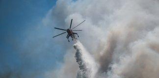 Φωτιά-στα-Βίλια:-Δραματική-η-κατάσταση-–-Εκκενώθηκαν-5-οικισμοί-και-ένα-γηροκομείο
