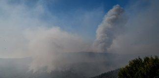 Έως-την-Κρήτη-ο-καπνός-από-τις-νέες-πυρκαγιές-στην-Αττική-–-Εκκενώθηκε-το-γηροκομείο-στα-Βίλια