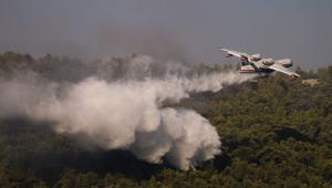 Πυρκαγιά-στα-Βίλια:-Βελτιωμένη-εικόνα-από-το-πύρινο-μέτωπο-–-Αναζωπυρώσεις-στο-Λαύριο