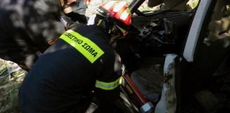 Σοβαρό-τροχαίο-στο-Λαύριο-με-τρεις-τραυματίες-–-Τους-απεγκλώβισε-η-Πυροσβεστική!