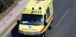 Τραγωδία-στο-Λαύριο:-Νεκρός-19χρονος-σε-τροχαίο-–-Δύο-τραυματίες