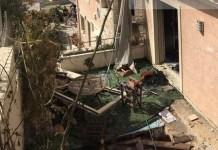 Έκρηξη-στα-Καλύβια:-«Βομβαρδισμένο»-το-σπίτι-–-Σε-σοβαρή-κατάσταση-ο-πατέρας-(φωτό)