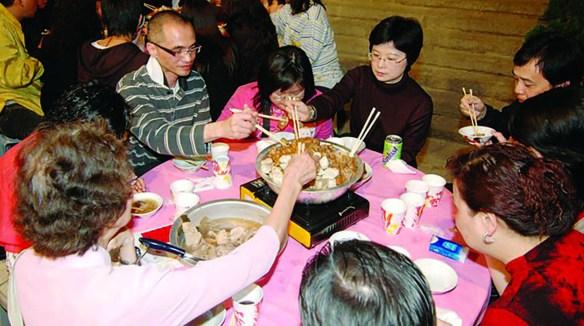Communal Dining Hong Kong Foodie Heaven