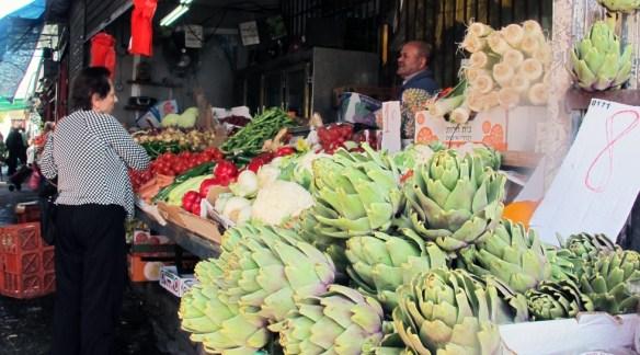 tel aviv market shopper Carmel