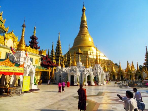 shwedagon pagoda Amawaterways Cruise Myanmar