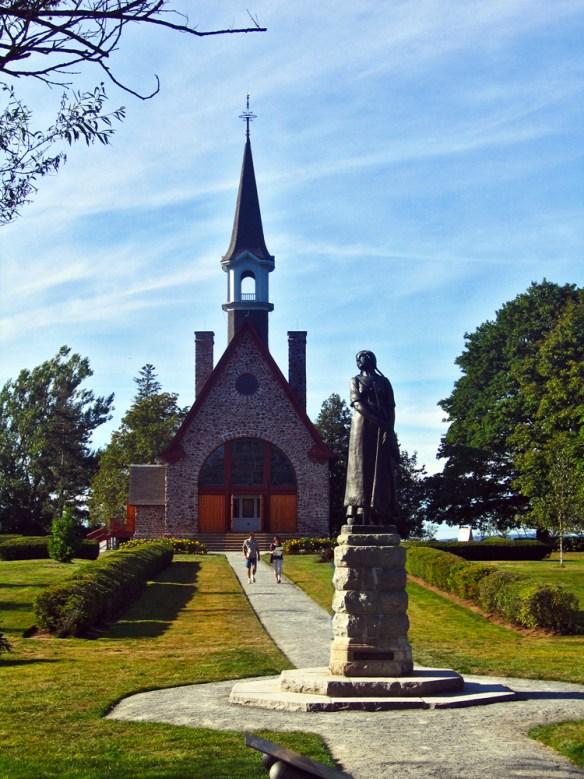 statue to Evangeline Acadian Rappie Pie