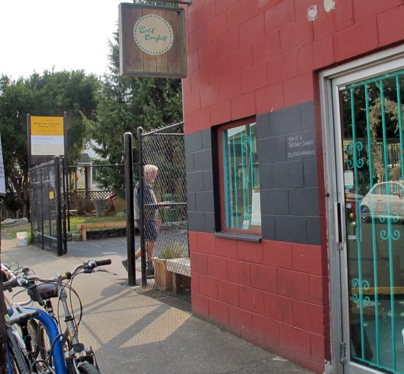Cold Comfort creamery with bikes in front - Bikes and Brews - Victoria, BC