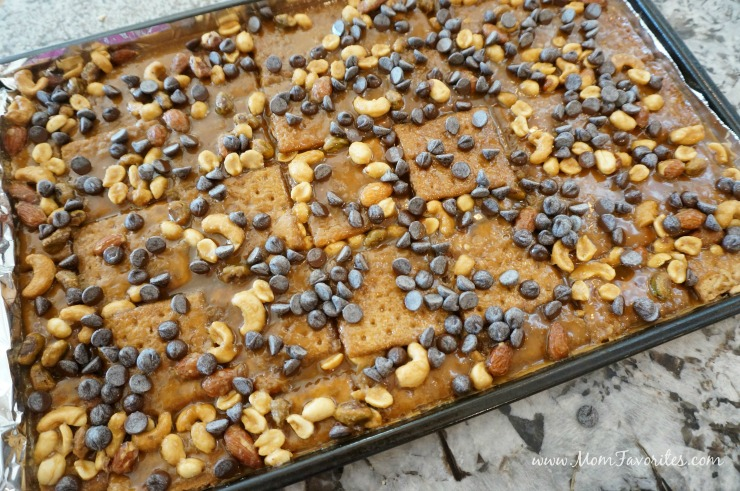 Salted Caramel Toffee Bars - the perfect holiday entertaining recipe and DIY edible gift for the hostess this holiday season!  Makes a great Christmas stocking stuffer too!