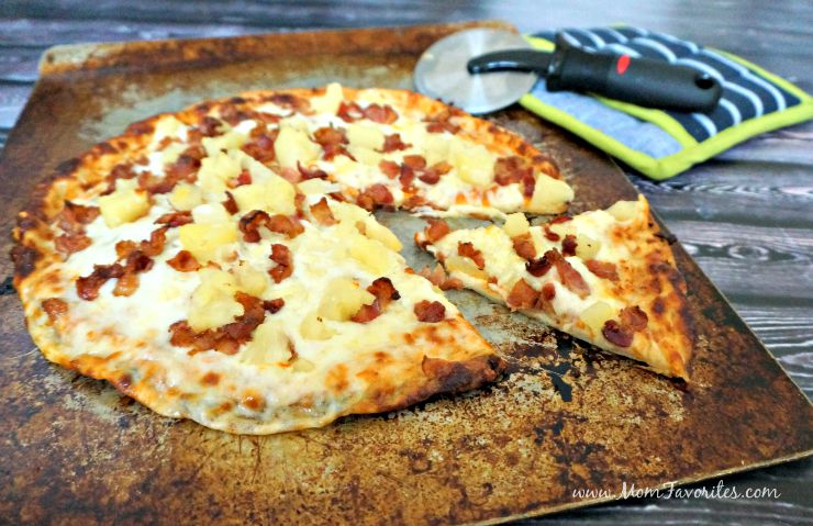 A Friday Night Pizza Dinner that everyone can enjoy! Check out this tutorial for Gluten-Free Hawaiian Pizza!