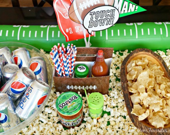 Create your own DIY Snack Stadium with easy sweets and treats to satisfy the crowds at your Game Day party!