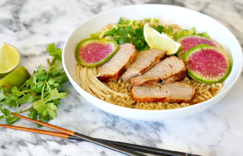 With marinated pork tenderloin and thinly sliced veggies, this easy pork tenderloin ramen bowl will be your go-to recipe whenever you have a noodle craving!