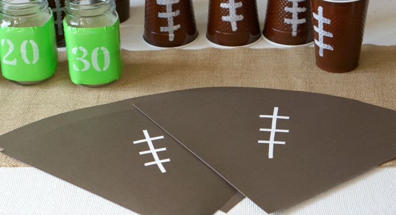 Hosting a get-together for the big game has never been easier with these easy DIY football party décor ideas!