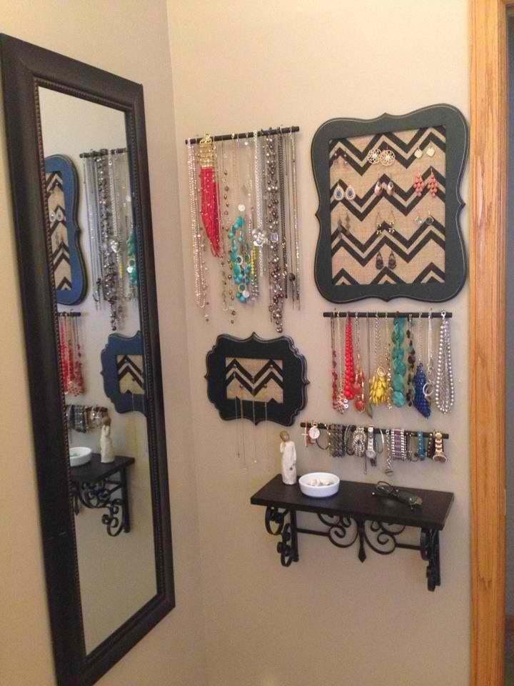 jewelry-wall-organization