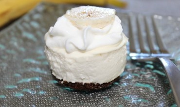 Mini Banana Bread Bottomed Cheesecake
