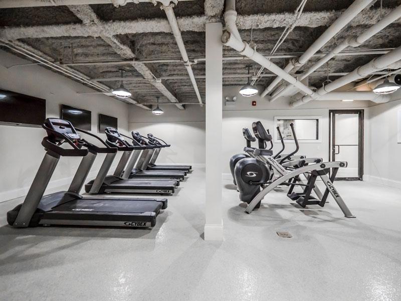 768_W_Jackson_interior_renovation_amenities