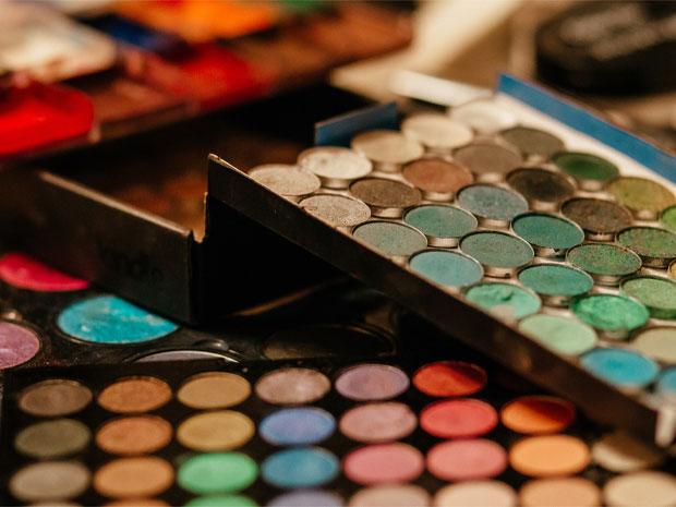 ¿Quieres lucir fabulosa? Aquí encontrarás las mejores marcas para maquillaje profesional