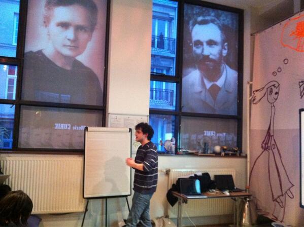 Thimothée Behra - animateur de l'atelier mémoires lors de la soirée Hack your PhD à Paris