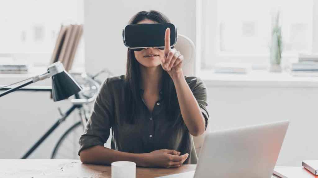 Utilisation de la réalité virtuelle pour rencontrer ses futurs collègues