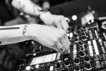 dj table de mixage styles musicaux