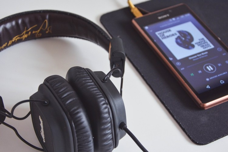 smartphone appli musique deezer itunes spotify dj tendance musicale