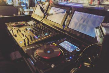Entracte Cafe DJM CDJ Tour 1