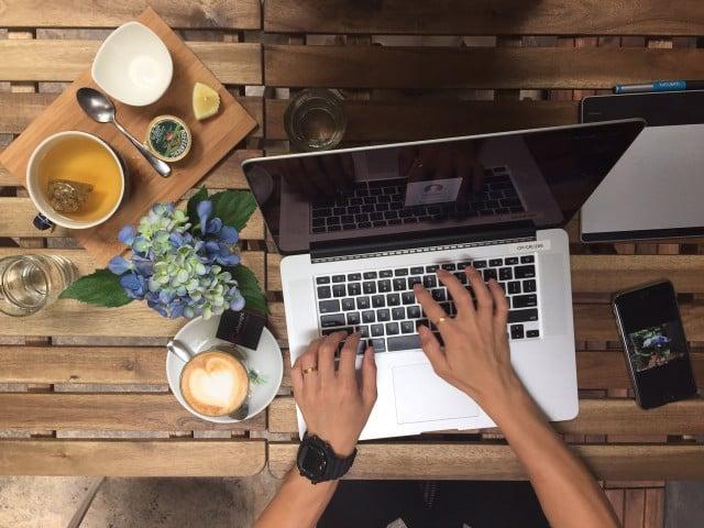 Travailler à Domicile : Avantages et Inconvénients