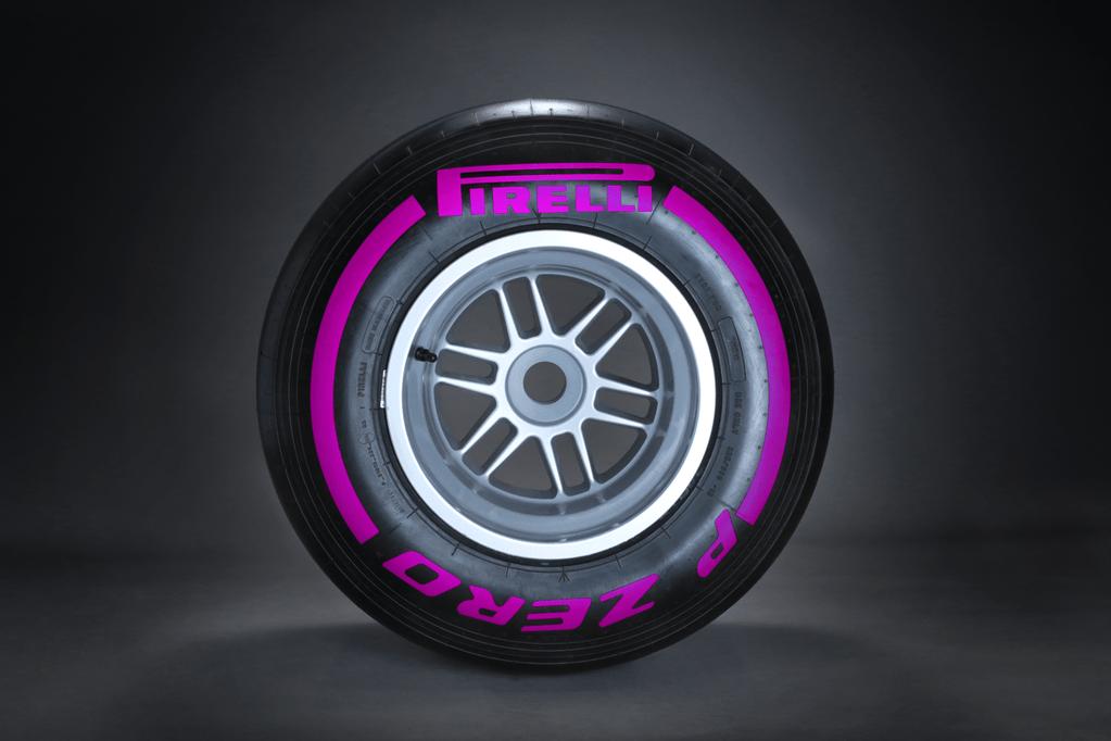 Pirellis lila Ultra Soft däck