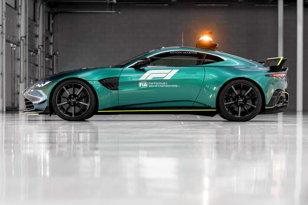 F1 Safety Car - Aston Martin Vantage
