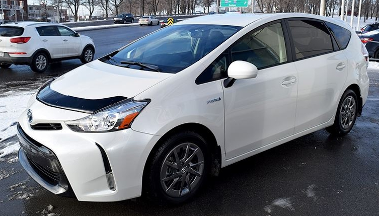 Toyota Prius V 2012 Up Formfit Hood Protector