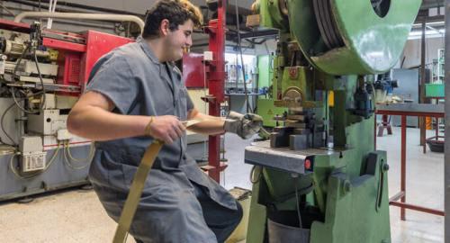 fabricación fornituras metálicas