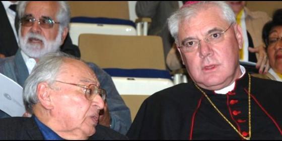 Pretenden que la gente crea que müller y Bergugly son enemigos por culpa de Gustavo Gutiérrez, cuando en realidad los tres son grandes camaradas.