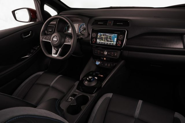 https://i2.wp.com/forococheselectricos.com/wp-content/uploads/2017/12/2018-Nissan-LEAF-interior-640x427.jpg?resize=640%2C427