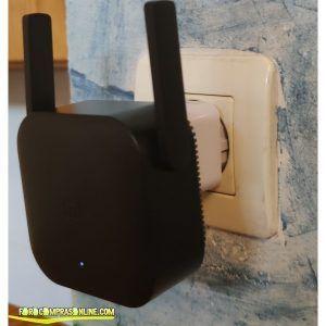 KKmoon WiFi Repetidor Pro Extender 300 Mbp enchufado
