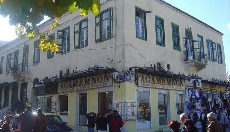 Το πρωτο ξενοδοχείο της Αθήνας με «δωμάτια εφωδιασμένα με κραββάτους και έπιπλα ευρωπαϊκά»