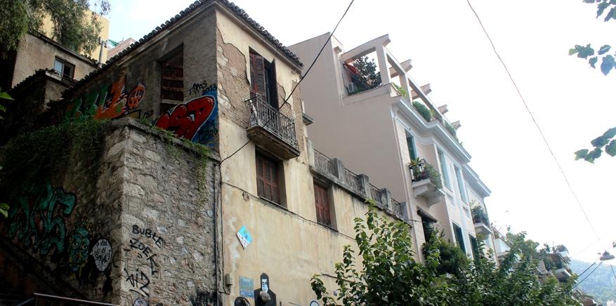 Βόλτα στην Καλλιδρομίου, τον ομορφότερο δρόμο της Αθήνας