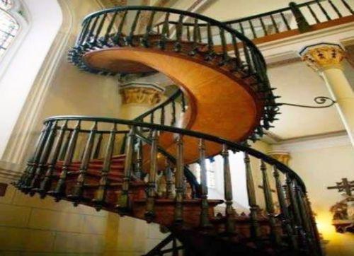 la escalera de san jos en la capilla de loreto palabras de vida eterna. Black Bedroom Furniture Sets. Home Design Ideas