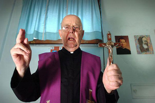 padre-gabriele-amorth-esorcista