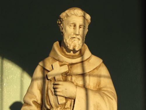 Estatua de san Francisco de Asís