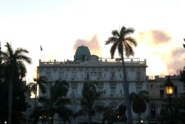 """Das älteste Hotel Cubas """"Inglaterra""""."""