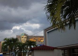 """Einhundert Feuer - Cienfuegos. Der """"Che"""" darf nicht fehlen."""