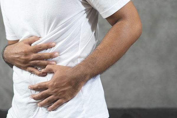 12 Signs Your Upper Abdominal Pain Might Be an Emergency