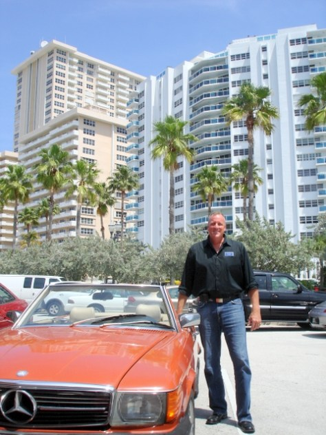 Kevin Wirth Realtor outside Galt Ocean Mile condominiums