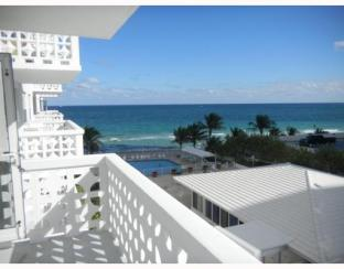 Terrace at a condo in Ocean Summit