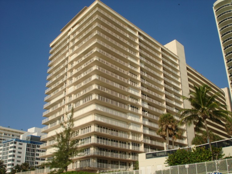 Ocean Club Fort Lauderdale condos - 4020 Galt Ocean Dr, Fort Lauderdale, FL
